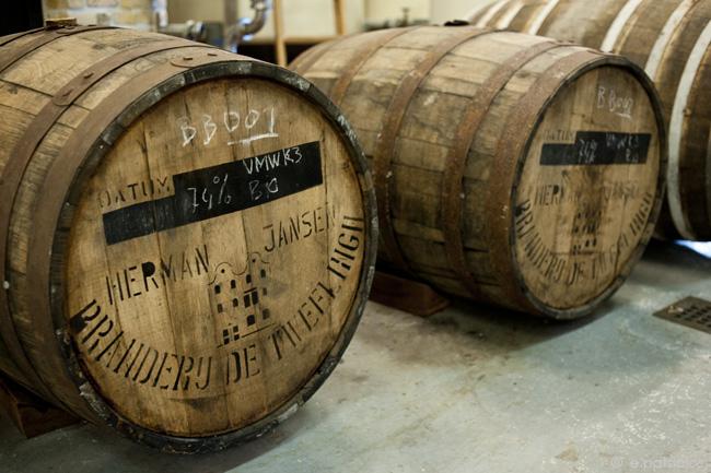 oak barrels (βαρέλια)